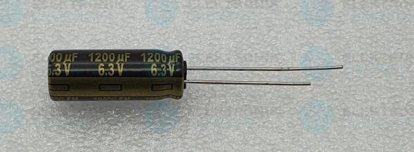 Elektrolytkondensator radial 1200µF 6,3V 105°C RM 3,5 lange Bauform DM 8mm