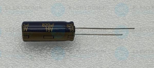 Elektrolytkondensator radial 820µF 16V 105°C RM 3,5 lange Bauform DM 8mm